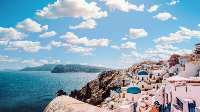 Hvornår skal du bestille afbudsrejser til Santorini?